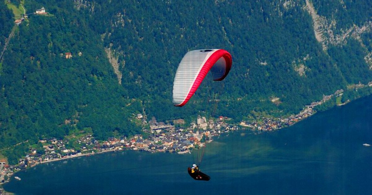 Paragliding at Krippenstein mountain » Your holiday in Obertraun